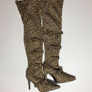 Colin Stuart Cheetah Print Boots NWOT